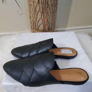 NEW Big Buddha Black Woven Loafers Size 7